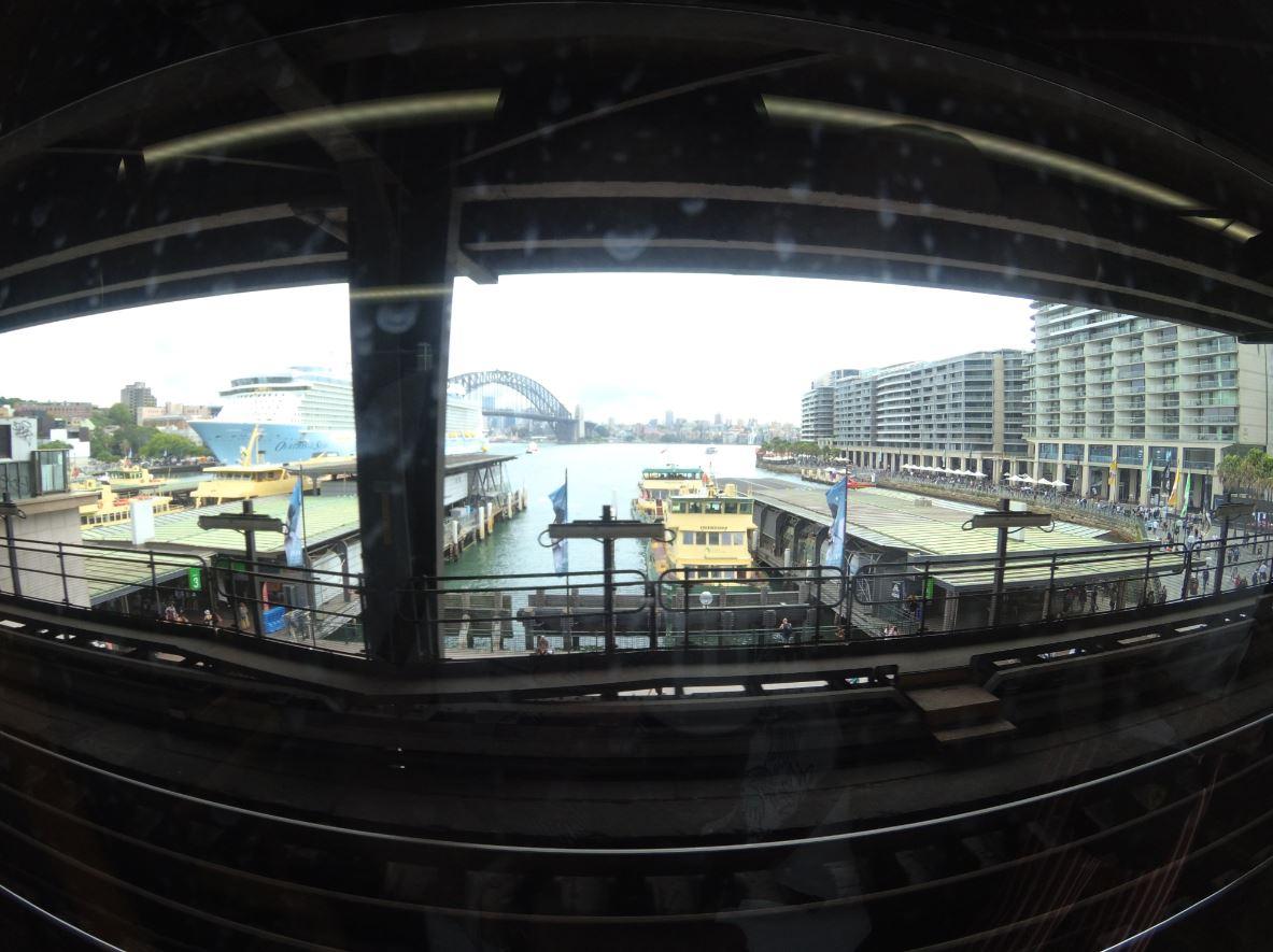 Circular Quay widok z pociagu.JPG