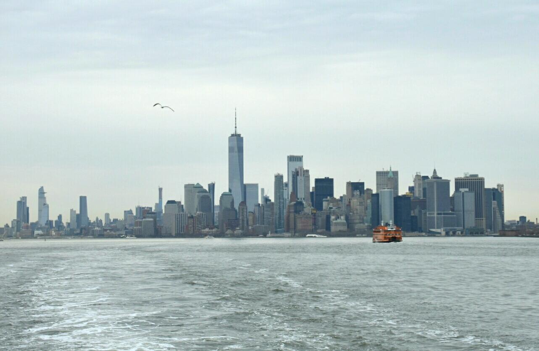 1 Panorama Dolnego Manhattanu widziana z tyłu promu.jpg