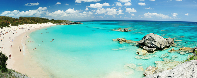 Bermuda Catamaran Sail and Snorkel Tour. Meet your guide at the center of Heritage Wharf and hop on the huge catamaran. Spend about an hour sailing around the island, as your guide points out places of interest and shares historical anecdotes about Bermuda.